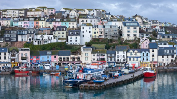 View over the old harbour at Brixham from Southern Quay, Canon 1Ds Mark III, 24-70mm at 60mm, ISO 100, 0.3 sec at f/10. January. © Adam Burton