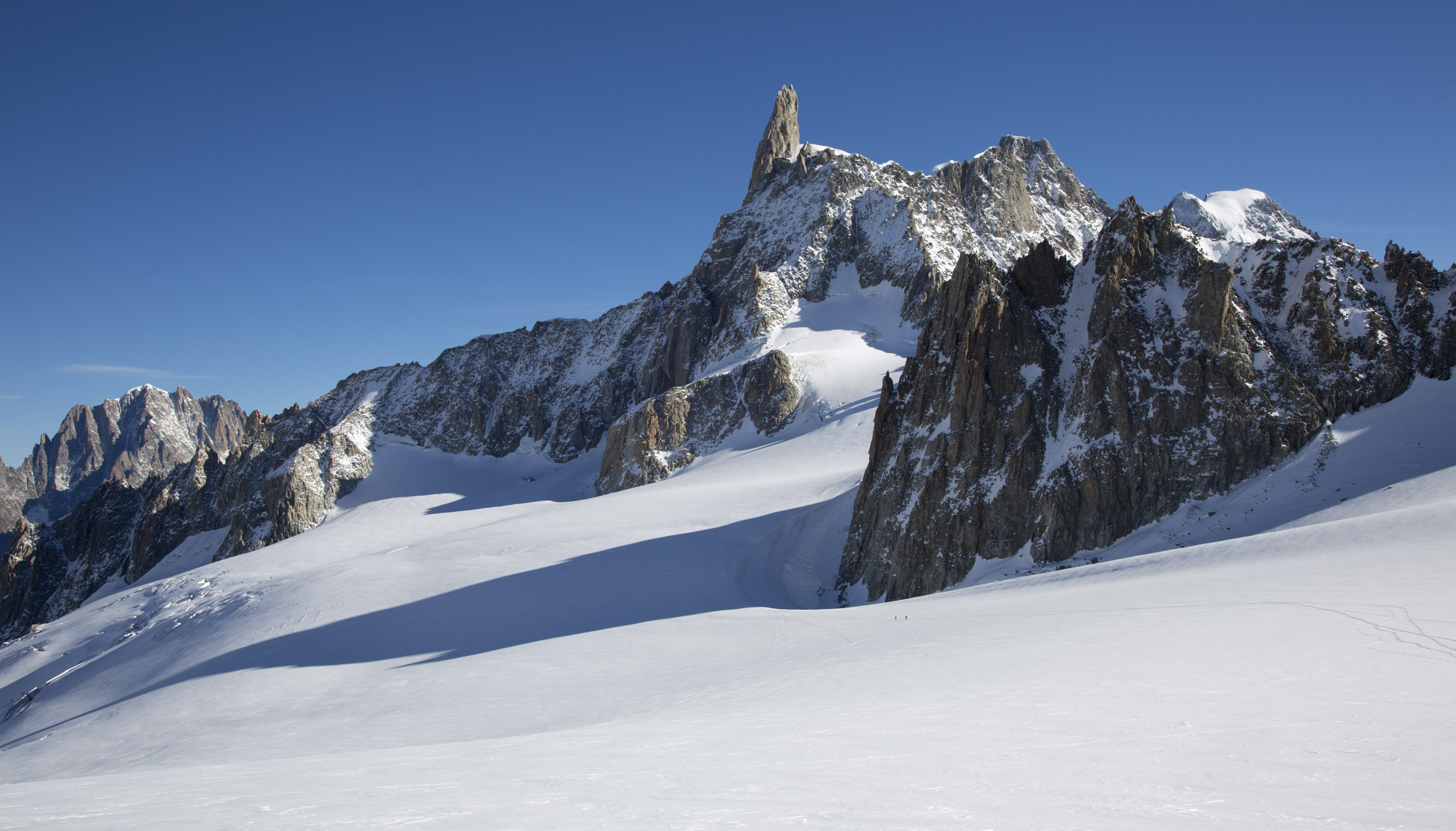The Dent du Geant taken from the Helbronner Glacier on the Italian side of the Vallee Blanche. Canon 5D MkIII, 24-105 at 32mm, ISO 100, 1/250 sec at f/10. © Stuart Holmes