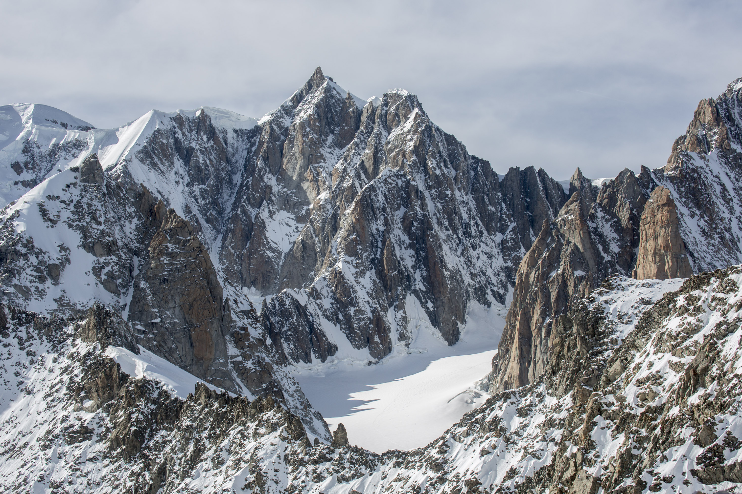 Mont Maudit and the Frontier Ridge taken from the Italian side of Mt Blanc. Canon 5D MkIII, Canon EF 17-40mm f/4L USM Lens at 70mm, ISO 100, 1/250 sec at f/10. Handheld. October. © Stuart Holmes