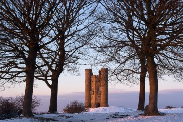 Broadway Tower, Cotswolds. Nikon D700, 28-105mm Nikkor at 44mm, 1s at f/16. Tripod. February. © Sarah Howard