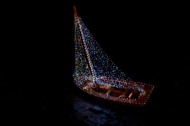 The Christmas Boat, Kinvara, Co. Galway, Ireland. Nikon D750, Nikon 24-120/4, ISO 800, 1s at f/8, Tripod. December. © Carsten Krieger.