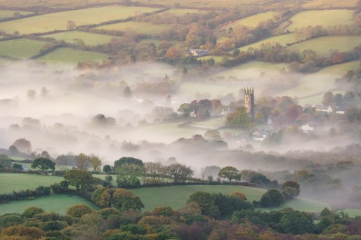 Divine Mist, Widecombe in the Moor, Dartmoor. Sony A7R Mark II, Canon 70-300 f/4-5.6L IS USM at 135mm, ISO100, 1/5sec, f13, Tripod, October. © Richard Fox.