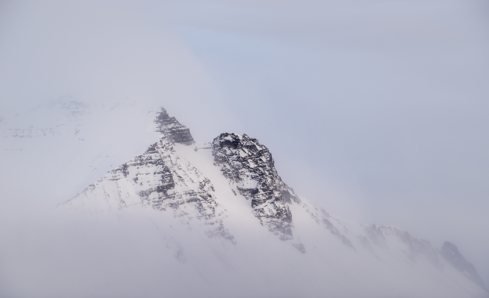 Mountain Peak, Sony A7R, Canon 70-200 f/2.8 at 135mm, ISO 100, 1/60s at f/8, Handheld. February. © Andrew Yu
