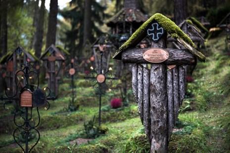 ©James Rushforth A graveyard of mixed nationalities. Nikon D810, 24-70mm at 70mm, ISO 100, 1/160s at f/2.8, September.