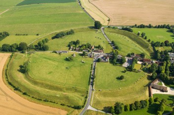 01 Avebury from the air (July) UK14-615 Avebury