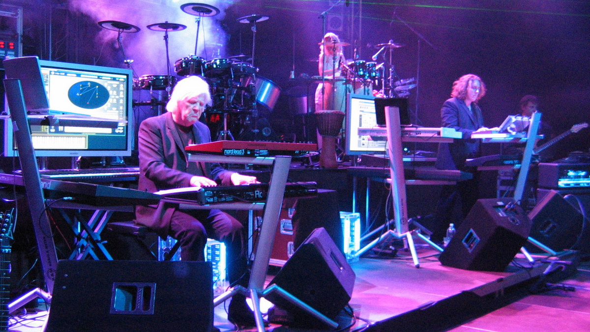 Tangerine Dream live in concert. 1997 / Photo by Ralf Roletschek (Wikimedia CC BY-SA 3.0)