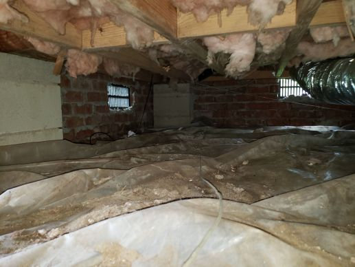 bad crawl space with vent