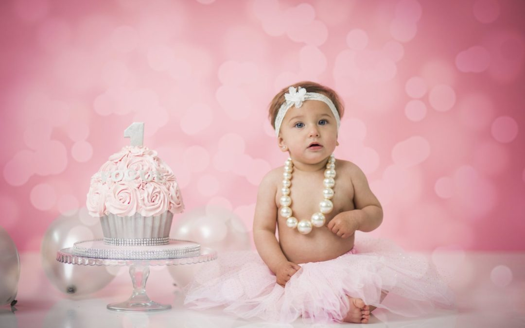 Baby smash cake photoshoot – Vogue