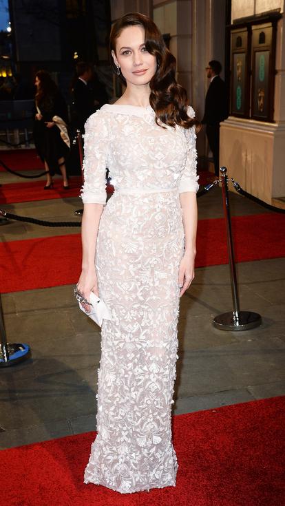Olga Kurylenko White lace Ralph Lauren Gown