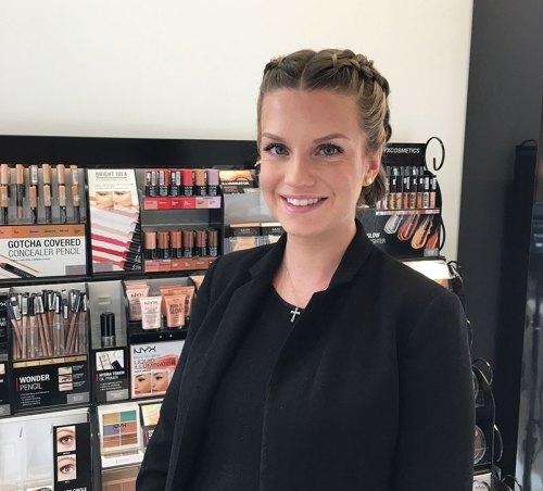 Zazu Exchange Molly Makeup artist