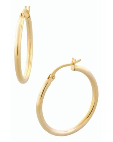 Mandy Moore look for less gold earrings