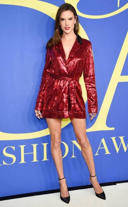 2018 CFDA Awards fashion Alessandra Ambrosio in Tommy Hilfiger