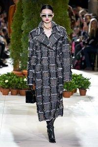 fall 2019 fashion trends oscar de la renta statement coat plaid
