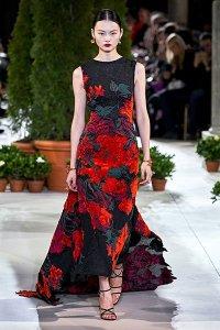 fall 2019 trend oversize florals red black Oscar de la Renta