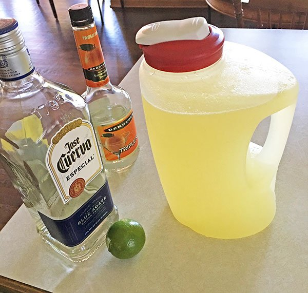 rubbermaid 1 gallon container of margaritas fountainof30