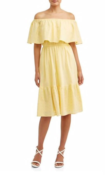 Sofia Jeans by Sofia Vergara yellow dress fountain of 30