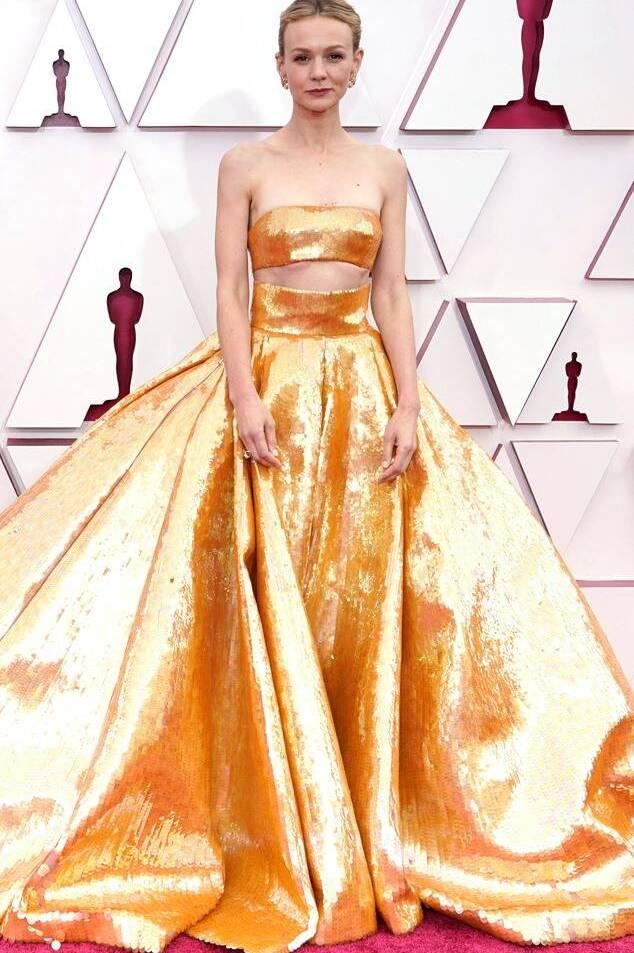 Carrie Mulligan in Valentino Oscars 2021 fashion fountainof30