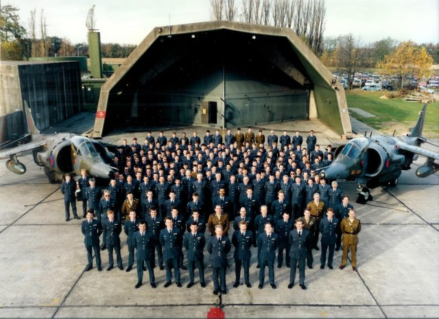 1987_Sqn_Photo_rol