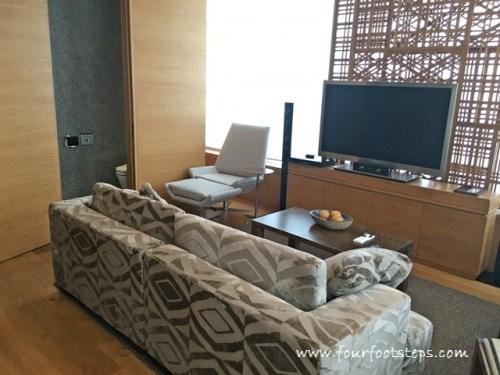 oasia_novena_club_suite_living_room_2.jpg