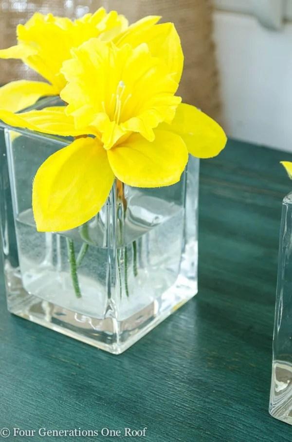 spring mantel daffodil