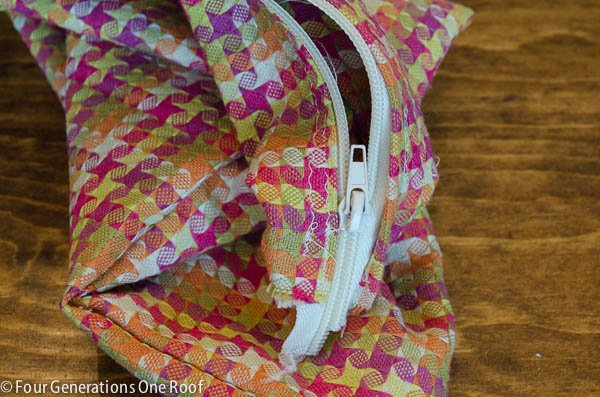 how to sew in a zipper on a pillow cover-6