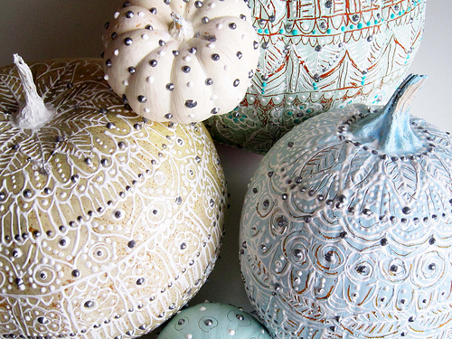 studded pumpkin decorating ideas