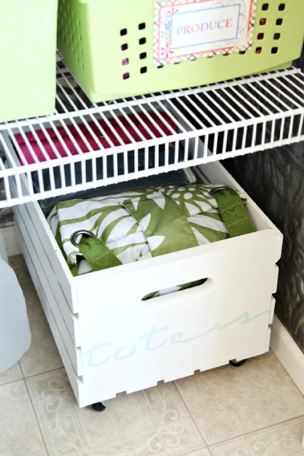 diy-rolling-crate-storage