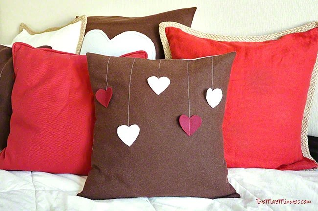 hanging-hearts-pillow