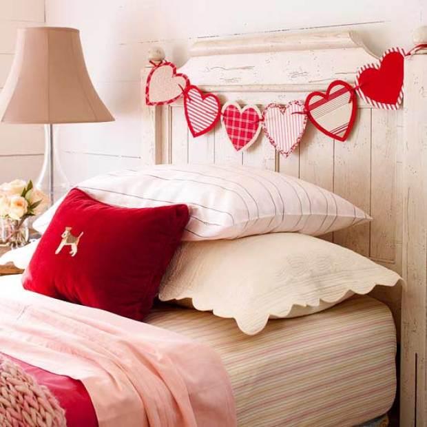 paper-heart-headboard-garland