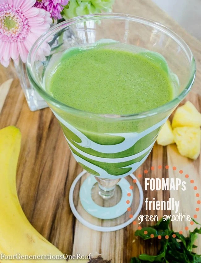 banana smoothie + pineapple + spinach {fodmaps friendly}