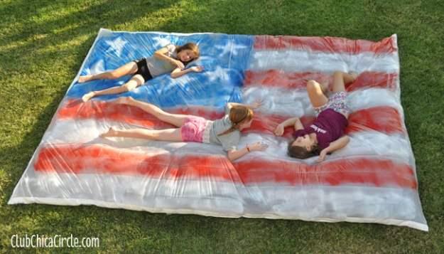 4th-of-July-Water-Blob-backyard-party-fun
