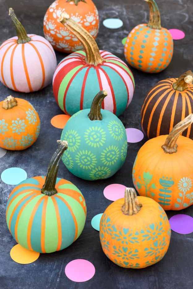 pastel-stenciled-pumpkins