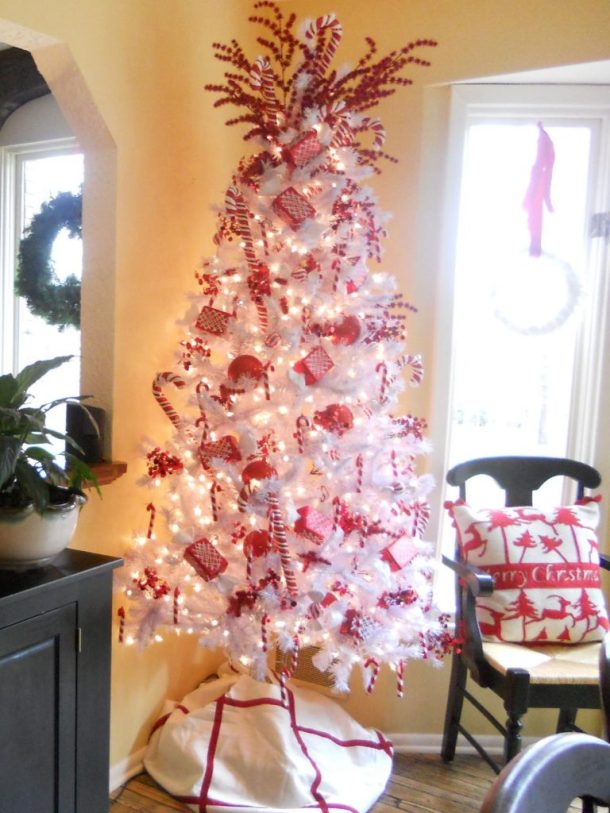 classic-christmas-white-tree