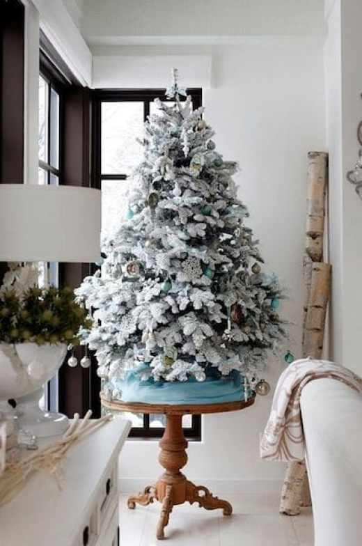 simple-flocked-small-tree