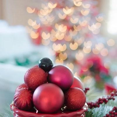 Ornaments – 10 Minute Christmas Decorating Idea
