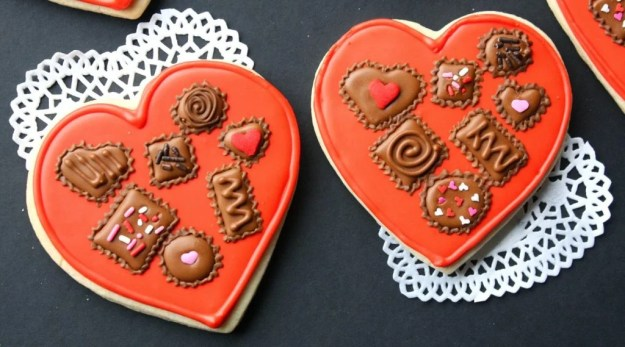40-valentine-treats-box-of-chocolates-cookie-heart