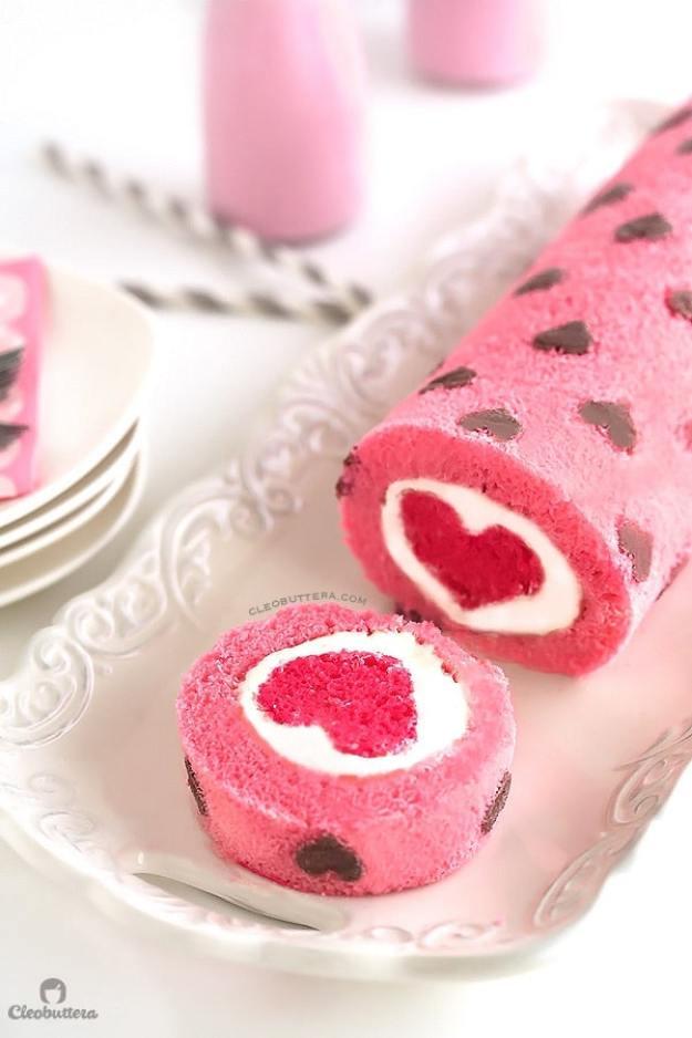 40-valentine-treats-love-all-around-cake-roll