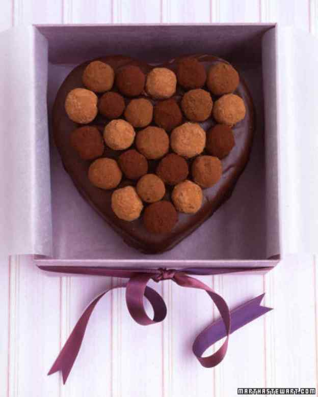 40-valentine-treats-sacher-torte-truffle-top