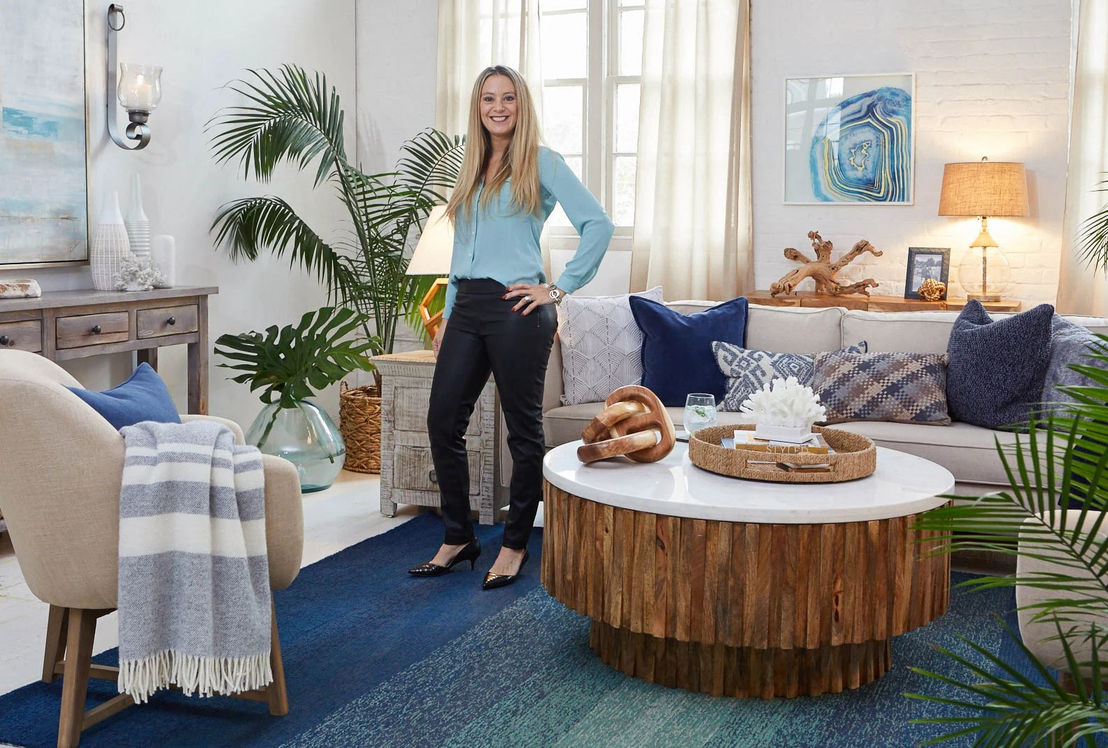 5 Tips To Nail A Navy Blue Coastal Living Room Four Generations One Roof