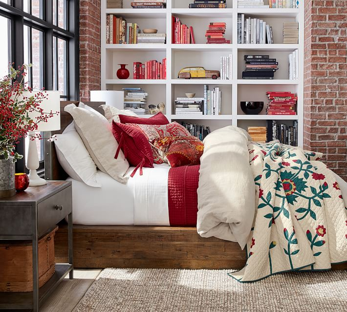 Heirloom red and blue Christmas flowers duvet and sham | How to decorate your bedroom for Christmas