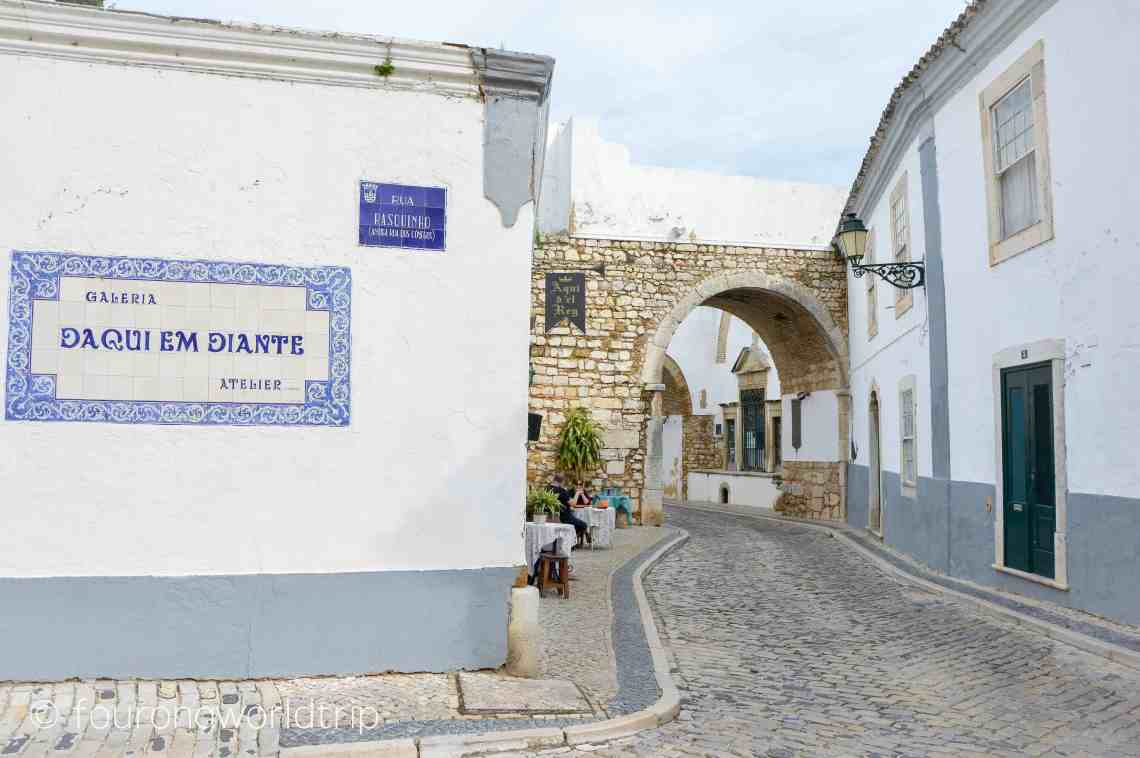 a walking tour through Faro's old town