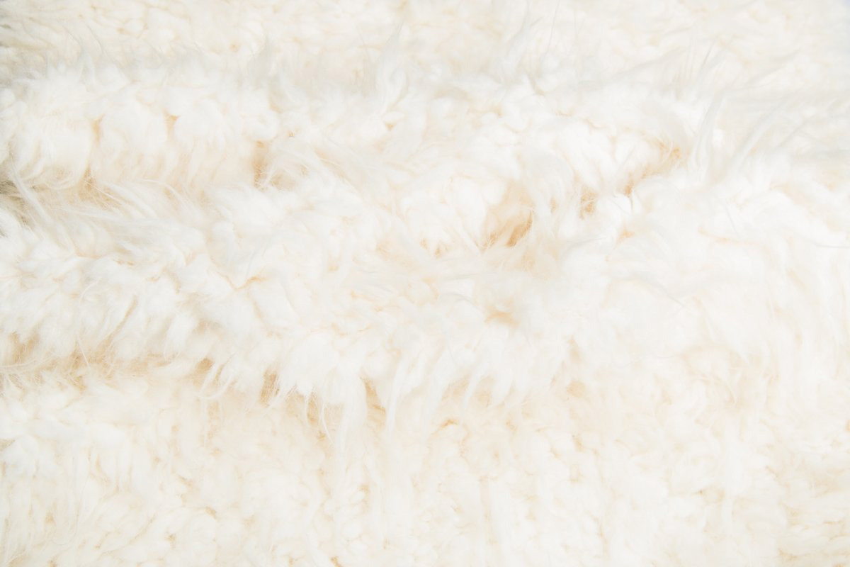 fausse fourrure mouton tibetain super douce saluki 2r242 cream ostrich