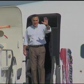 Mitt Romney arrives in Little Rock _-1791742993814241122