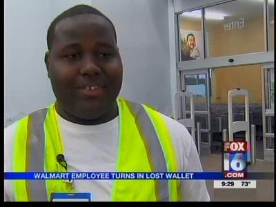 Walmart employee turns in lost wallet_-3201074783211470368