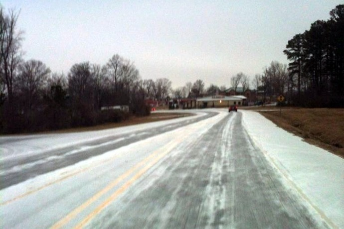 icy road_-1627032165263587605