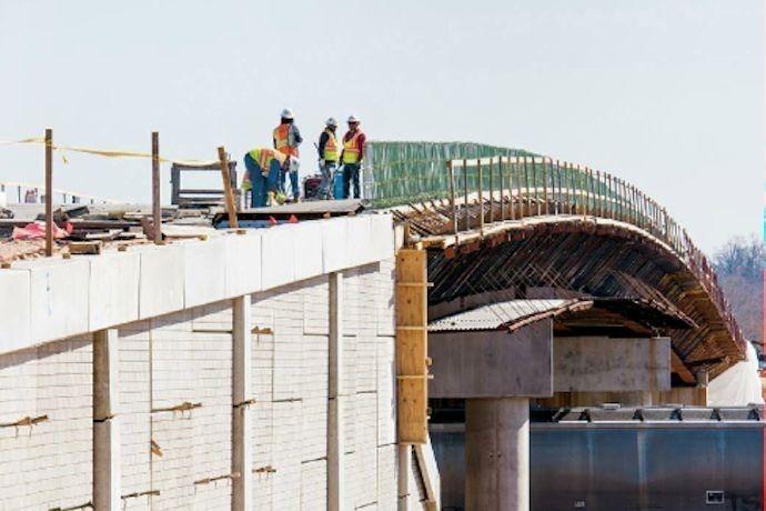 Highway construction crew in Arkansas_2179585434863421159