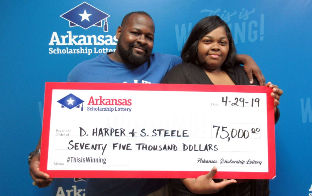 Arkansas couple wins $75,000 lottery prize_1556561902989.JPG-118809306.jpg