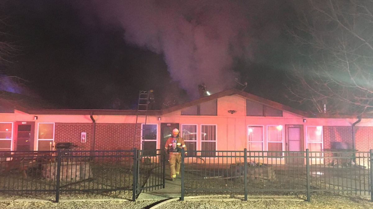 Investigators: Apartment fire that displaced 8 people was