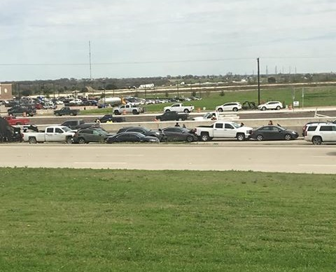 Seven-car wreck causes traffic delays on Interstate 35