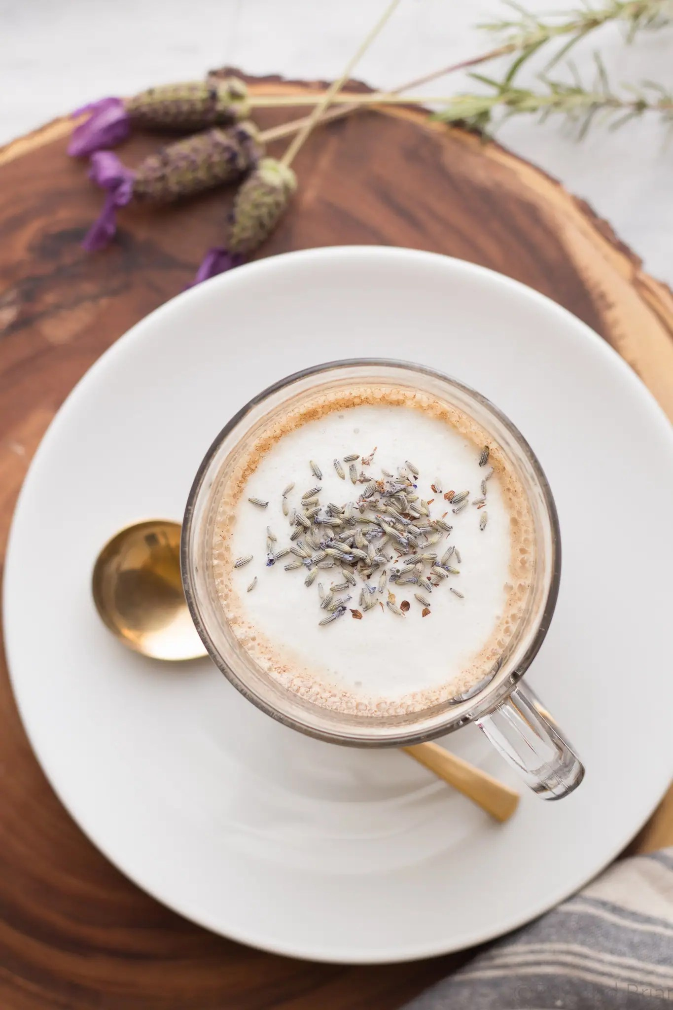 Make your own lavender latte at home, without any fancy equipment